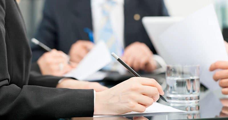 تقديم الاستشارات الأمينة